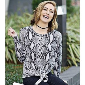 OLIVACEOUS SNAKE PYTHON PRINT SWEATER LONG SLEEVE